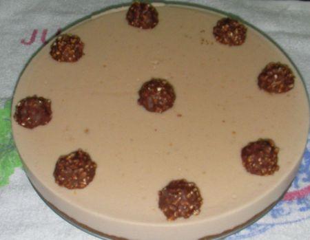 TARTA DE CHOCOLATE BLANCO CON FERRERO ROCHER